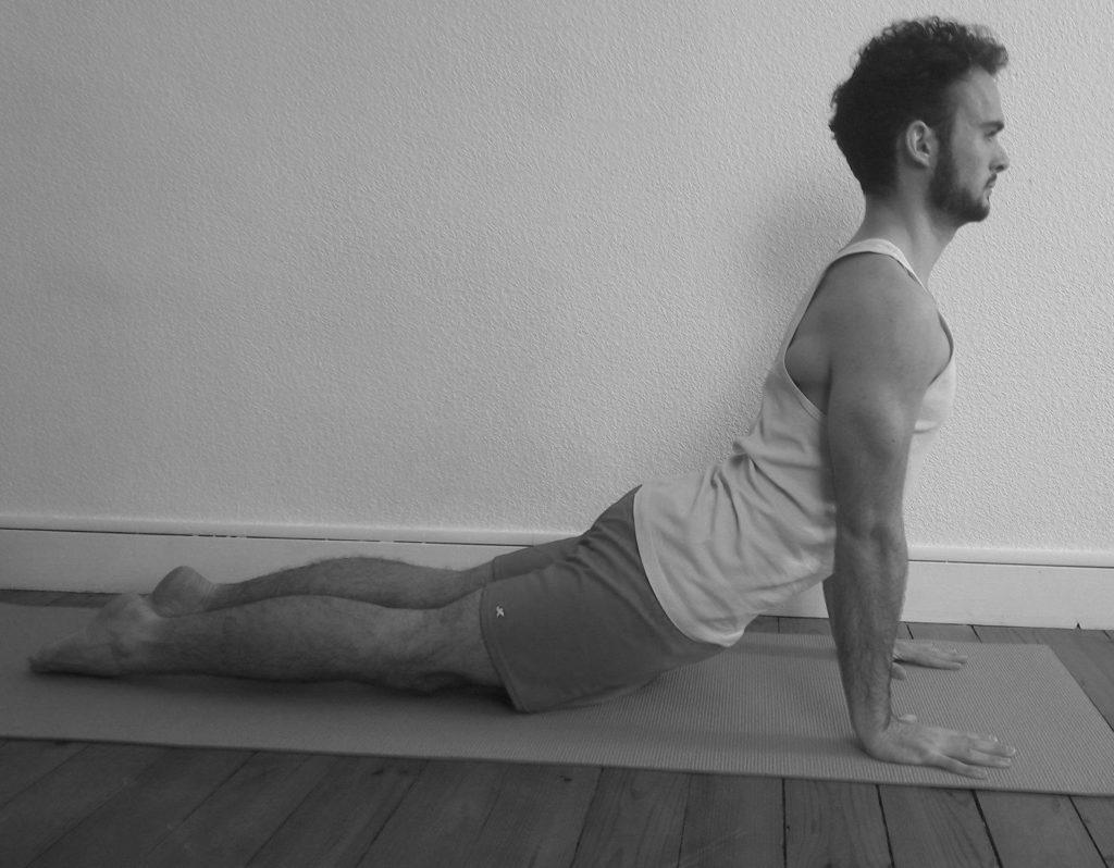 augmenter la confiance en soi avec le yogaUrdhva mukha svanasana – La posture du chien tête en haut