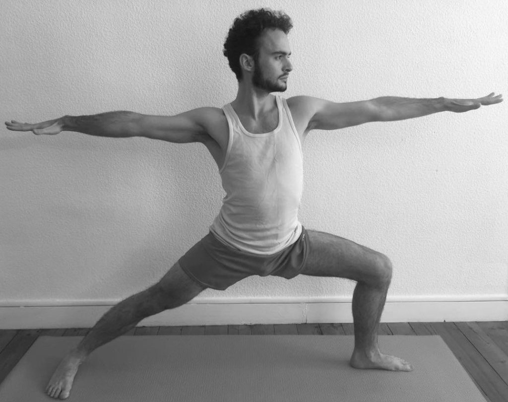 Veerabhadrasana B – La posture du guerrier B pour la confiance en soi